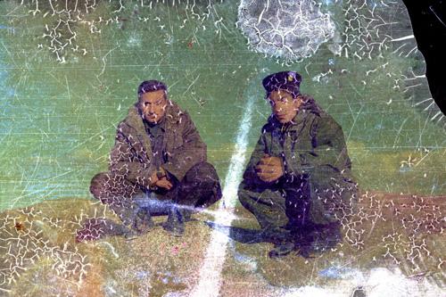 Photographie anonyme trouvée en Irak quelques jours après la chute de Saddam Hussein.