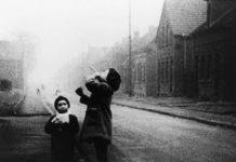 MÜLHEIM/RUHR, film de Peter Nestler, 1964
