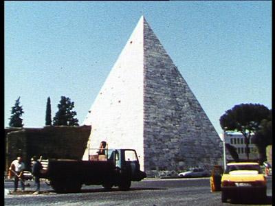 anti-pyramide.jpg